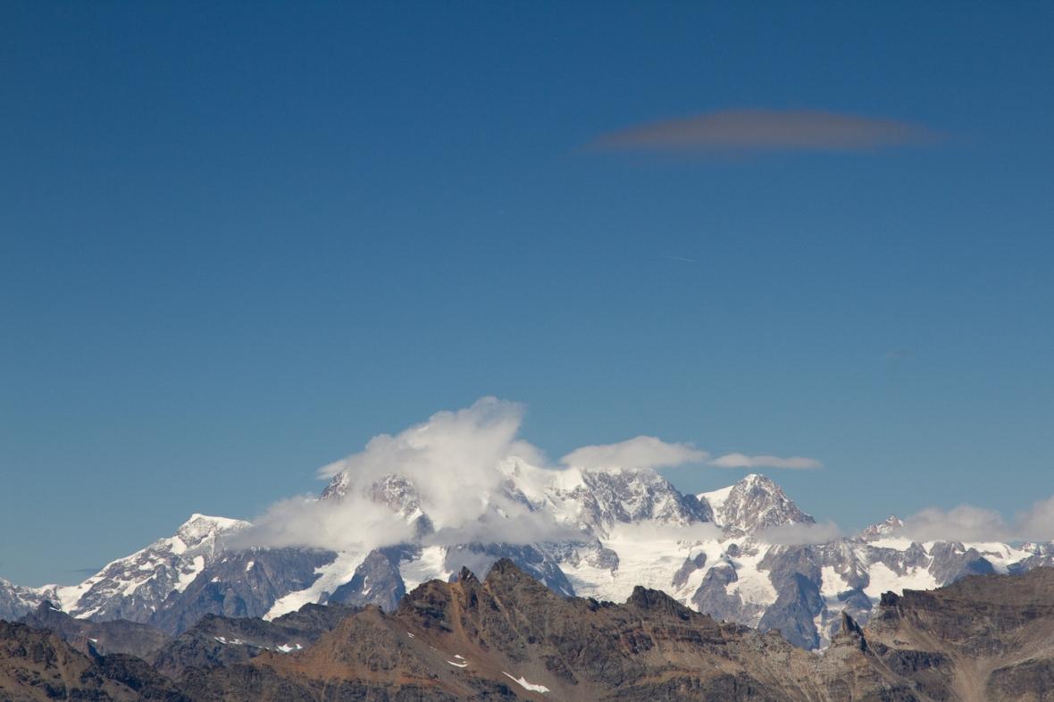 Gran_Paradiso_sep13_044_Mont Blanc cu OZN 2