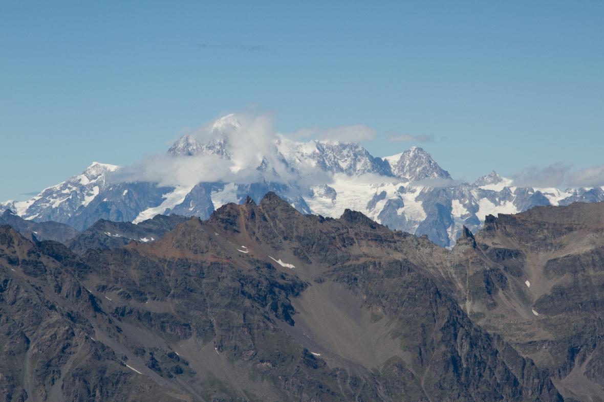 Gran_Paradiso_sep13_045_Mont Blanc isi arata varful o secunda